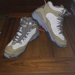 The North Face Waterproof Hiking Boots Sz 8 NWT